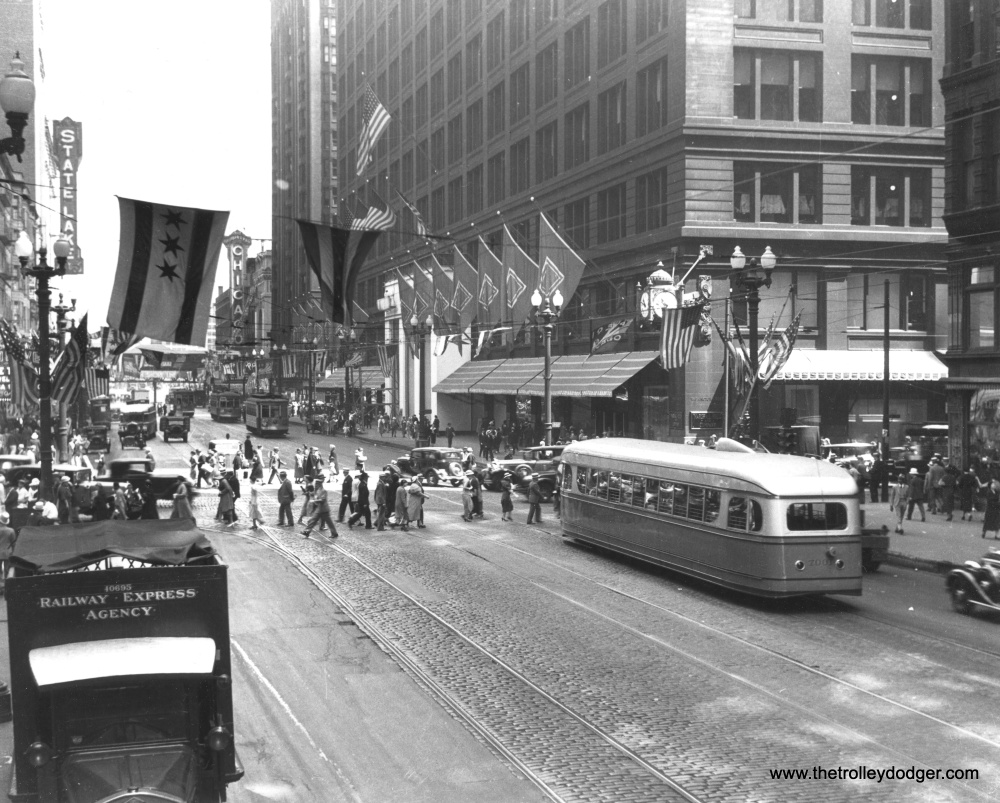 Chicago Streetcars in Black-and-White (1/6)