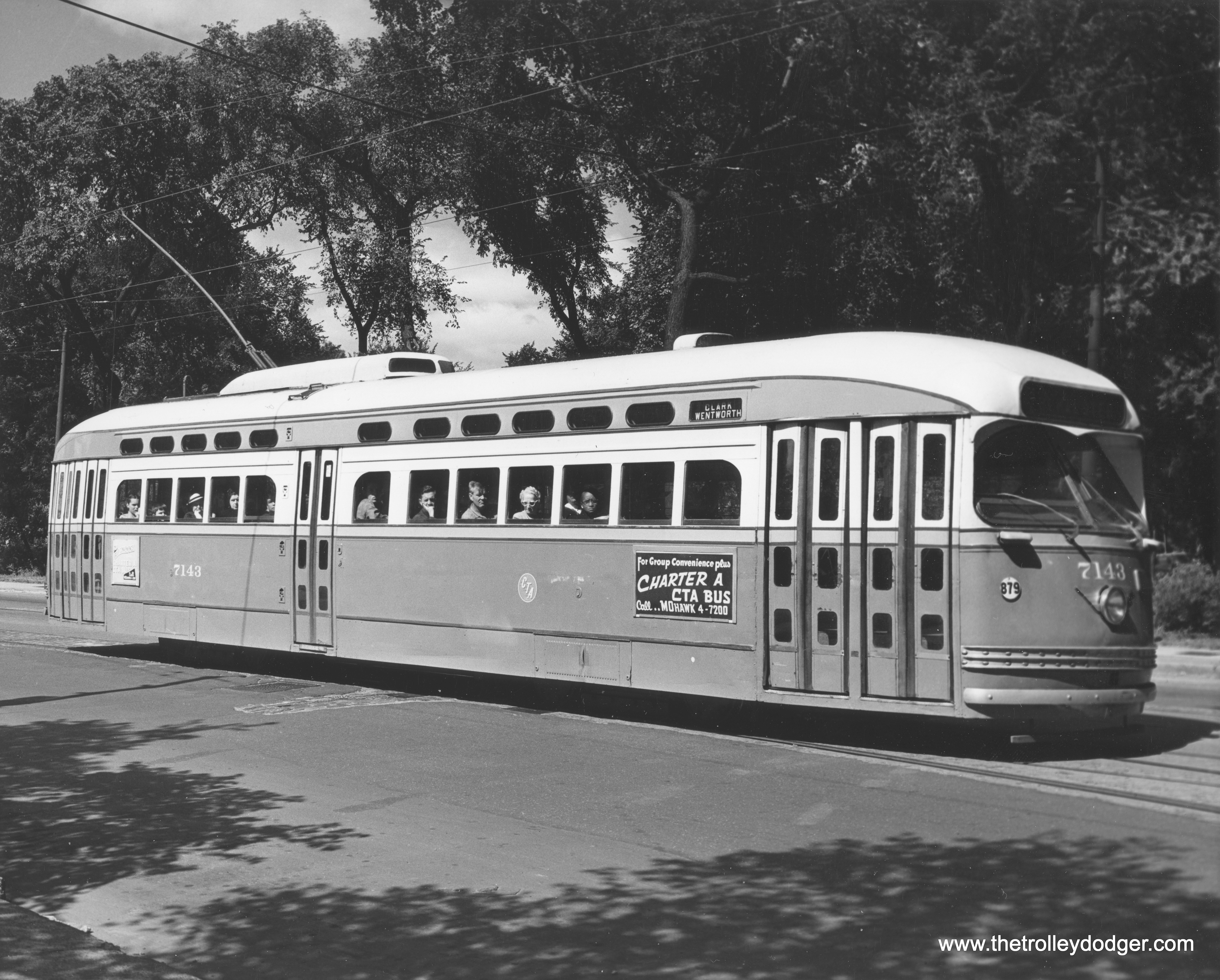 Chicago streetcars in black and white the trolley dodger cta 7143 on clark street near lincoln park chicago transit authority photo publicscrutiny Images