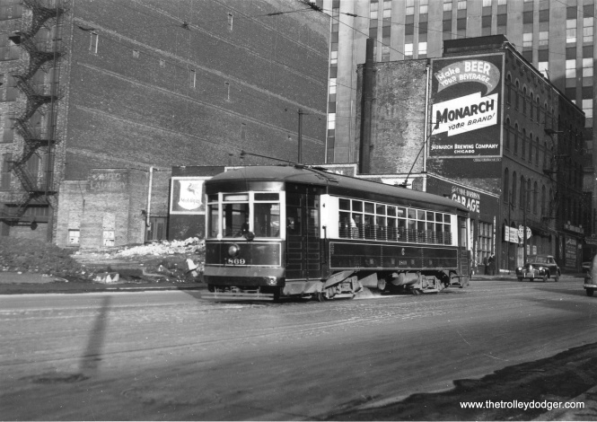 "Bill Shapotkin says, ""This is a W/B car on Harrison St. between Canal and Clinton (that is the main Post Office building in the background). View looks east."" (Joe L. Diaz Photo)"