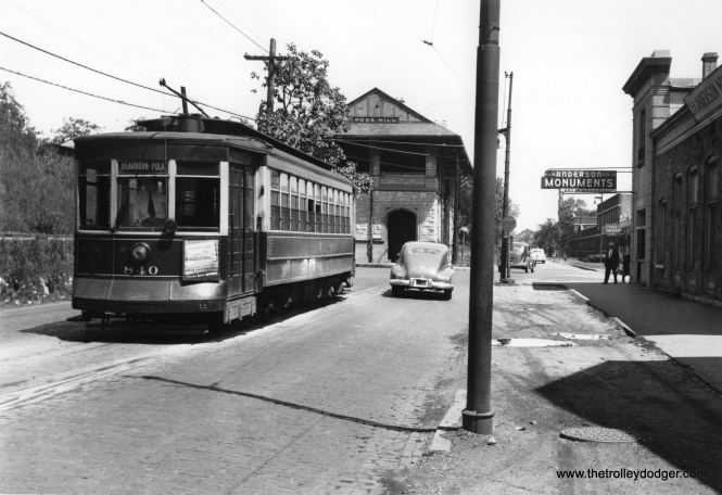 CSL 840 on Ravenswood Avenue at Rose Hill Cemetery on the Lincoln route circa 1947.