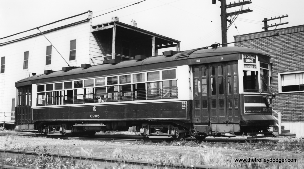 Chicago Streetcars in Black-and-White (4/6)