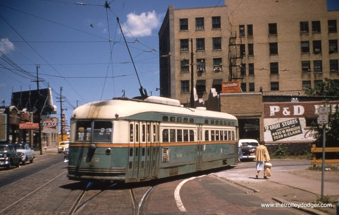 Postwar PCC 7142 pulls into the Clark-Howard loop in the mid-1950s. The white line indicates the swing of the car.