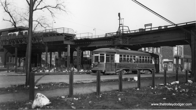 "Car 1821 passing under the Sacramento station on the old Garfield Park ""L"". The curve in the tracks is quite apparent here. (Joe L. Diaz Photo)"
