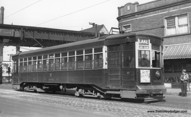 CSL 3002 on Cicero at Lake Street, circa 1940. (M. D. McCarter Collection)