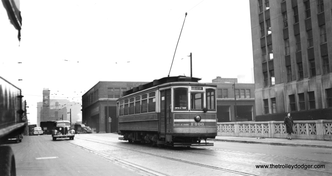 "CSL 1400. Bill Shapotkin writes, ""eastbound on Harrison at Canal Street (note Grand Central station in distance). Building immediately at right is still standing."" (Joe L. Diaz Photo)"