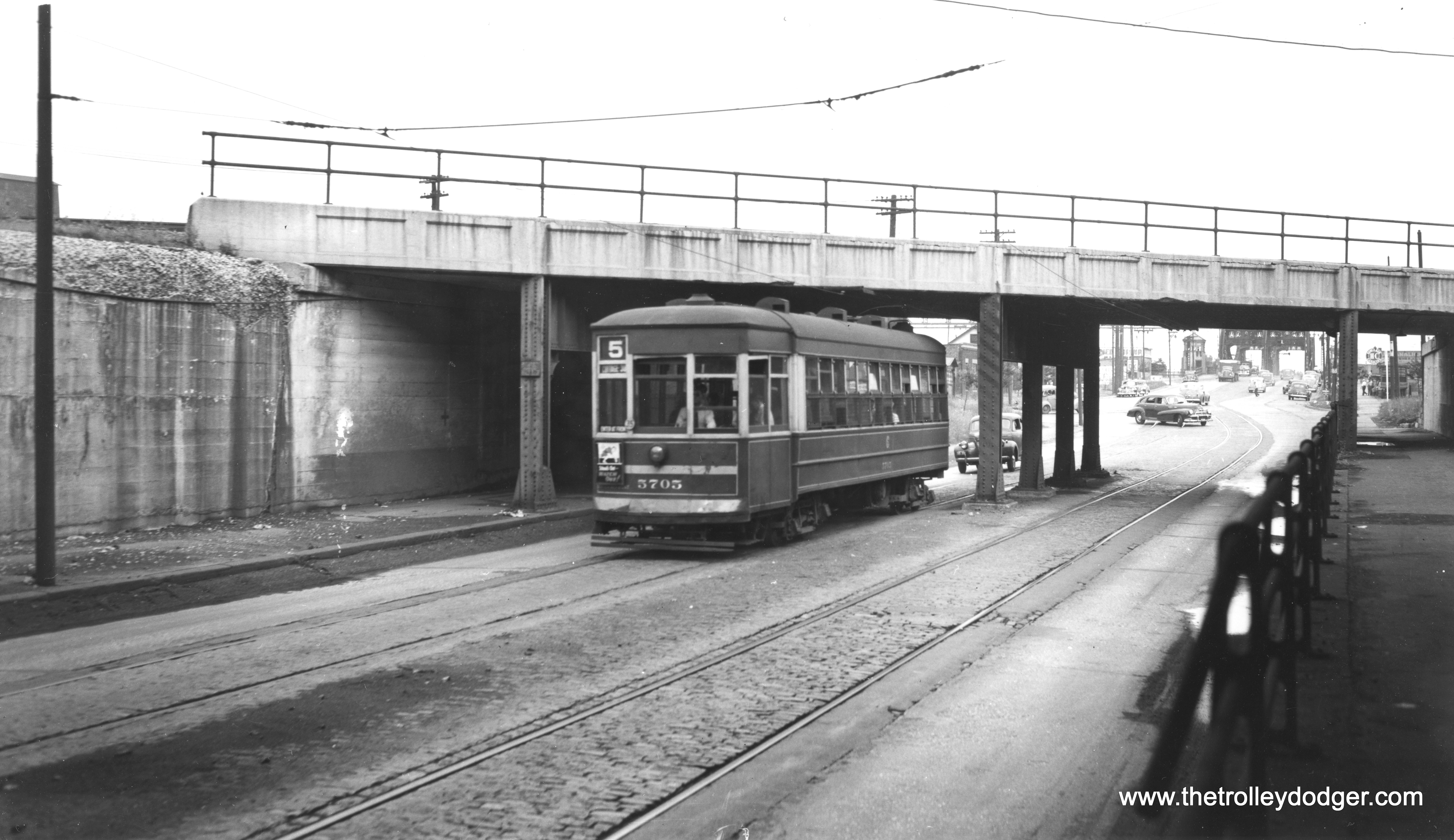 Chicago streetcars in black and white part 5 the for Hotels in chicago under 100