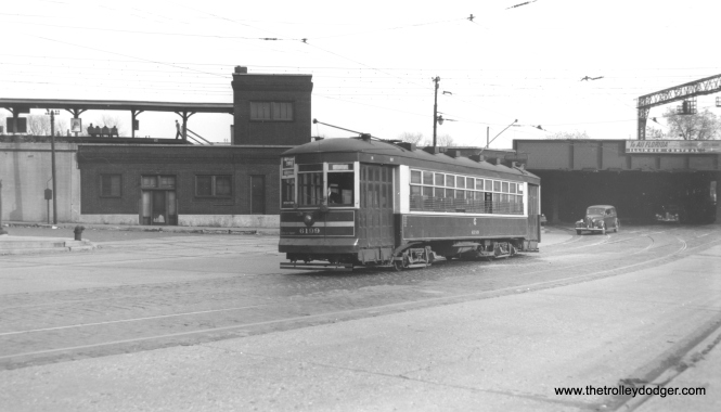 """Bob Lalich says, """"CSL 6199 is headed NW on South Chicago Blvd at 75th St having just gone under the IC – Grand Crossing."""" (Joe L. Diaz Photo)"""