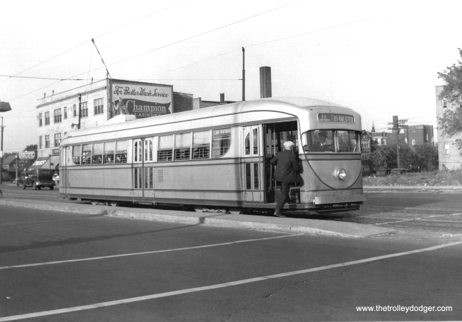 CSL 7001 at Clark and Ridge in 1938. (M. D. McCarter Collection)