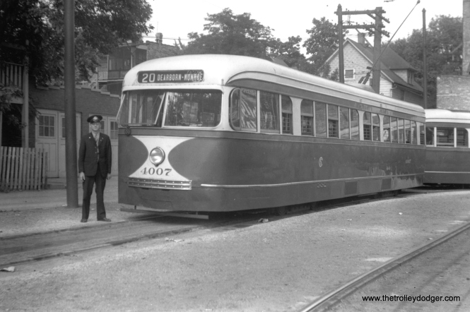 CSL 4007 at Madison and Austin in 1939. (M. D. McCarter Collection)
