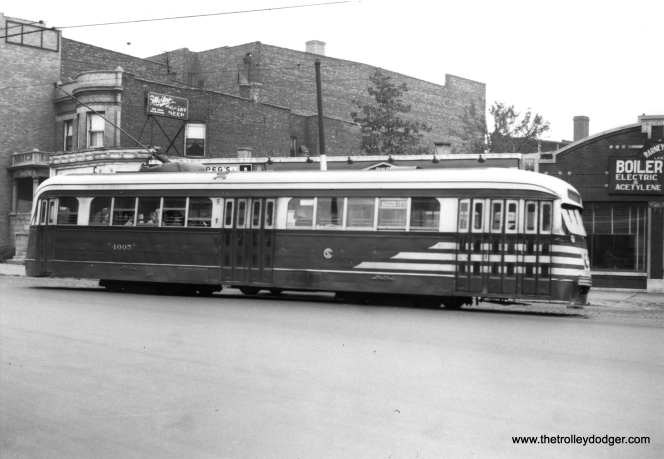 CSL 4005 at Fifth Avenue and Jackson Boulevard and Christiana in August, 1946. (M. D. McCarter Collection)