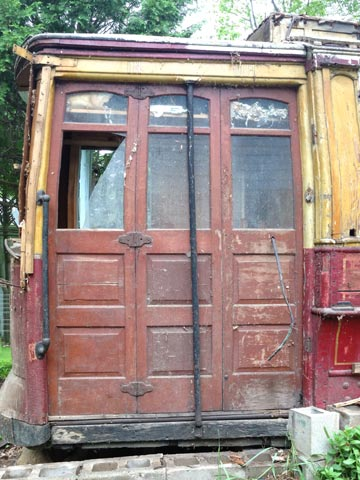 Lost and Found: Chicago Streetcar #1137 (4/6)