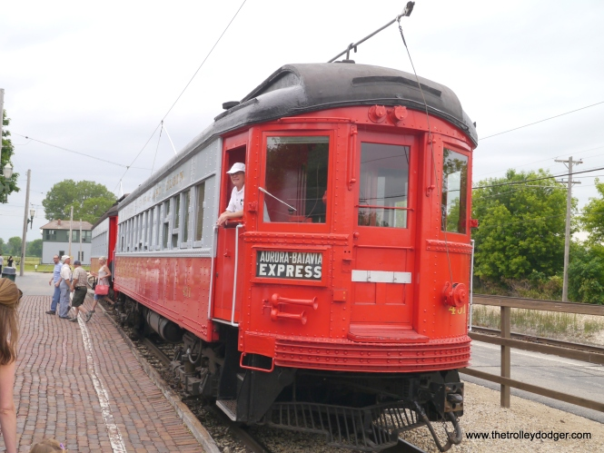 A two-car CA&E interurban made up of 431 and 409.