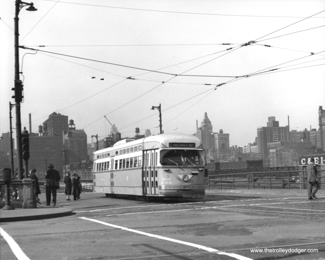 CSL 4083 at Clark and Roosevelt on May 11, 1947. (M. D. McCarter Collection)