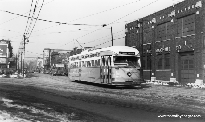 CSL 4065 eastbound on Harrison at 5th. (Joe L. Diaz Photo)