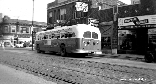 CTA trolley bus 470 heading eastbound at Lawrence and Western.