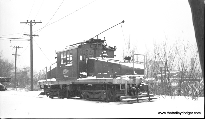 Steeple cab loco 452 at Pettibone Yard, North Chicago Junction, during a snowstorm on February 13, 1960.
