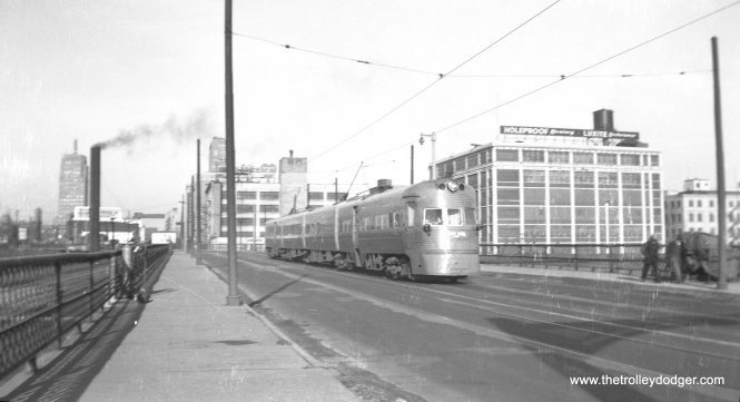 An Electroliner heads north on the 6th Street bridge on December 28, 1953. (Charles K. Willhoft Photo)