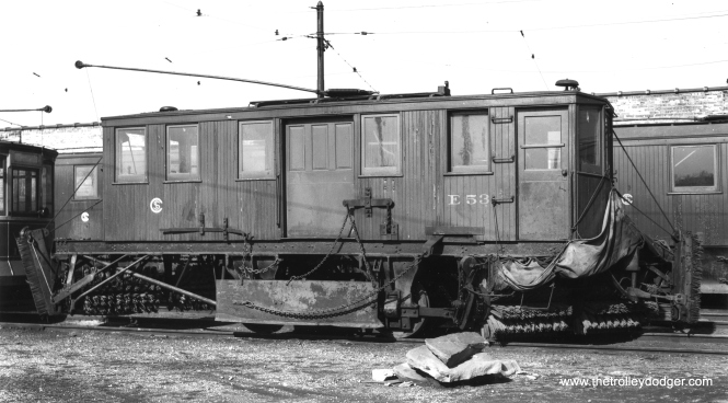 E53 at North Avenue Station (car barn). (Joe L. Diaz Photo)
