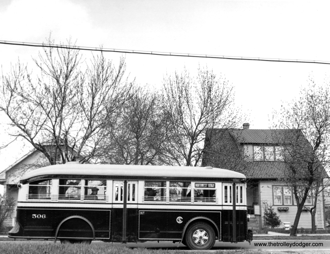 CSL 506, an ACF gas bus, in 1935.
