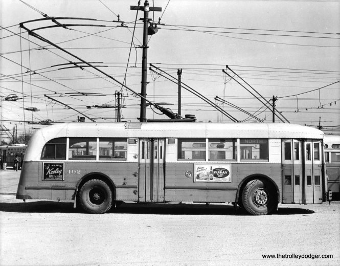 CTA trolley bus 192, signed for route 72 - North Avenue.
