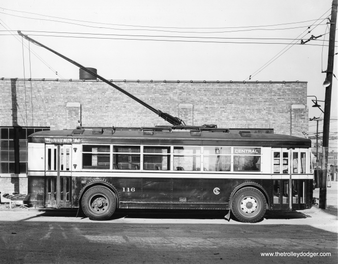 CSL trolley bus 116, signed for route 85 - Central Avenue.