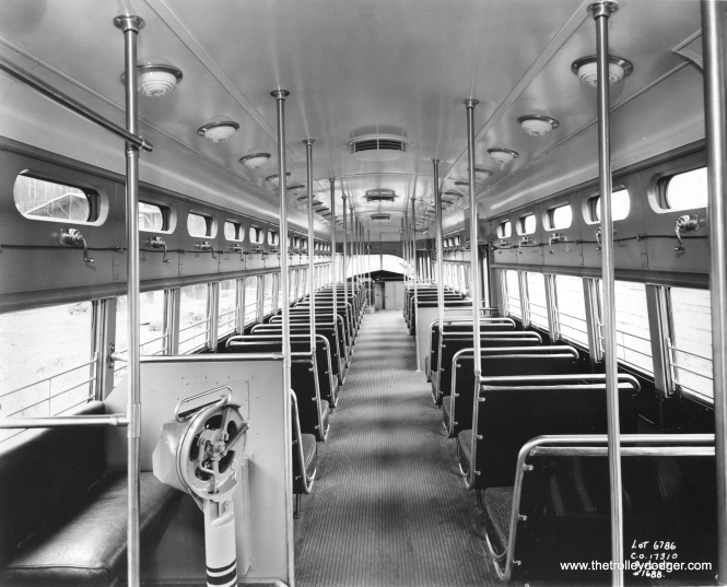 Another builder's photo of Pullman PCC 4172's interior.