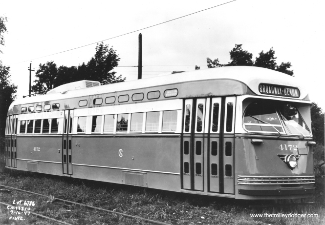 A builder's photo of Pullman PCC 4172 as new.
