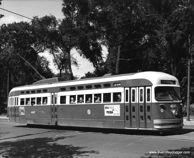 4157 southbound on Clark at Lincoln Park. (Chicago Transit Authority Photo)