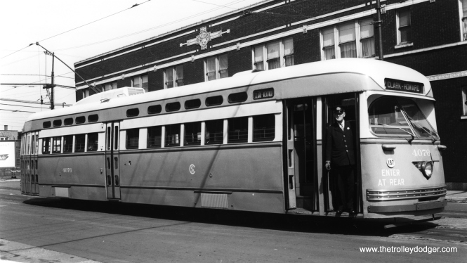 CSL 4076 at 81st and Halsted in October 1946. (William A. Raia Collection)