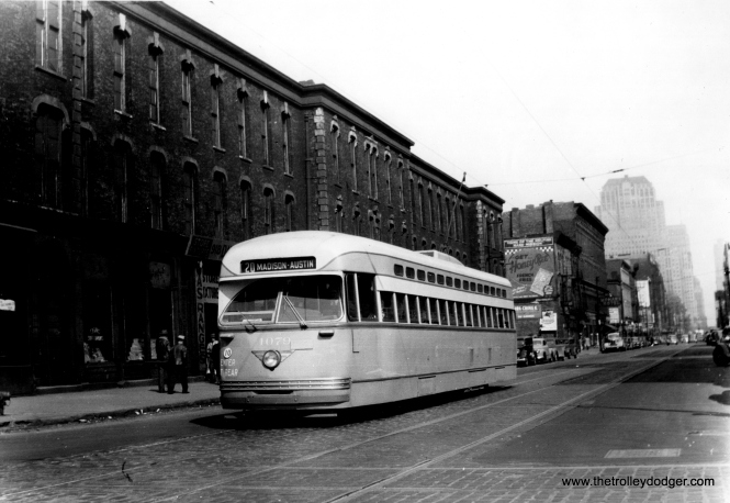 4079 westbound on Madison at either Sangamon or Morgan. (Edward Frank, Jr. Photo)