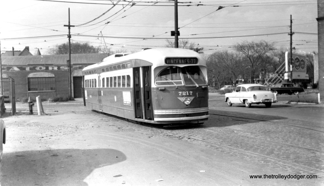 "One of our readers thinks that CTA 7217 is likely eastbound on 78th pulling off of Vincennes Avenue in this December 1953 view. They continue, ""Since the sun is obviously in the east, this appears to be a route 22 pull-in after the AM rush."" (Harold A. Smith Photo)"