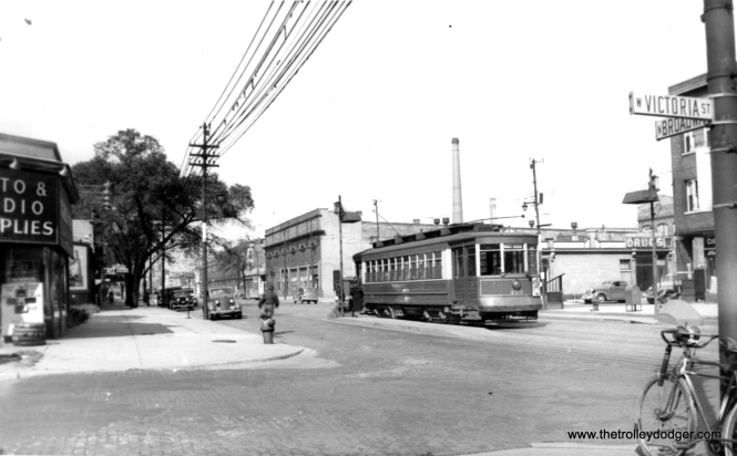 CSL 403 at Broadway and Victoria in 1938. (Edward Frank, Jr. Photo)