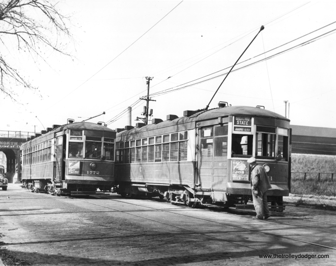 CSL 1772 and 1771 at Devon and Ravenswood. (Krambles-Peterson Archive)