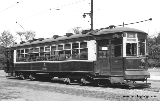CSL 2859 at Southport and Clark, the north terminus of route 9 - Ashland. (Railway Negative Exchange Photo)