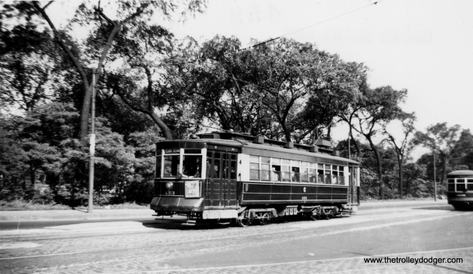CSL 453 northbound on Clark. (Railway Negative Exchange Photo)