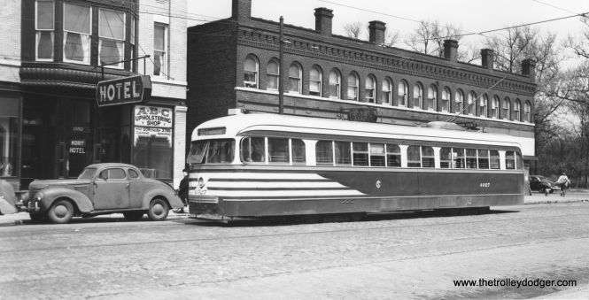 CSL 4027 at 64th and Stony Island, east end of the 63rd Street line. Again, at left, we have a 1940s business coupe. This Joe L. Diaz photo was taken at the same time as some others we previously posted here: https://thetrolleydodger.com/2015/10/12/more-chicago-pcc-photos-part-four/