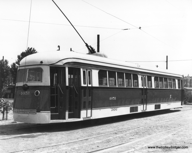 CSL 4051 at Kedzie and Van Buren, during the 1940-41 experiment with a modified door arrangement. (CSL Photo)