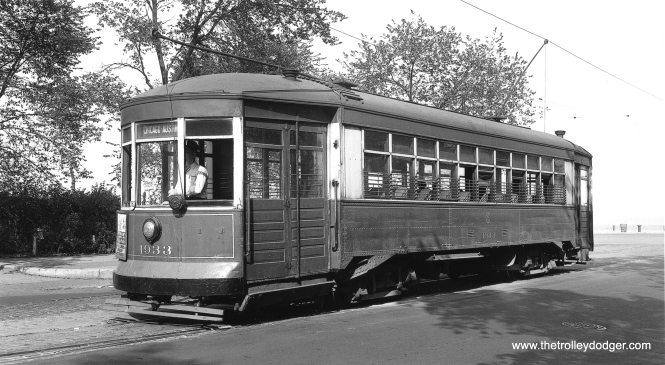 CSL 1933 at Chicago Avenue and Lake Shore Drive on May 12, 1947. (John F. Bromley Collection)