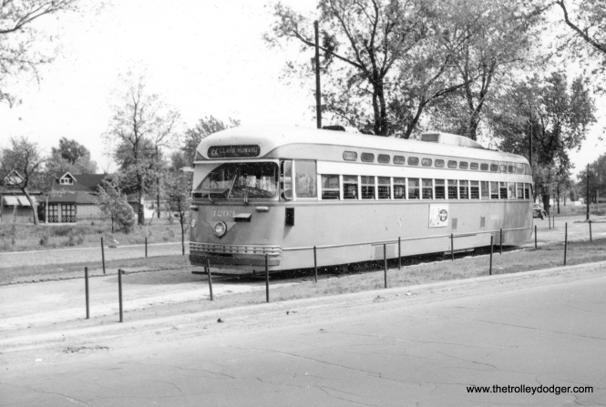 CTA 4203 at the Vincennes and 80th loop on May 20, 1951.