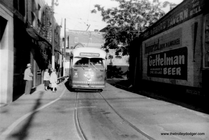 CTA 7189 at the Clark-Howard loop, circa 1956-57, northern terminus of busy route 22. (Jay Viena Photo)