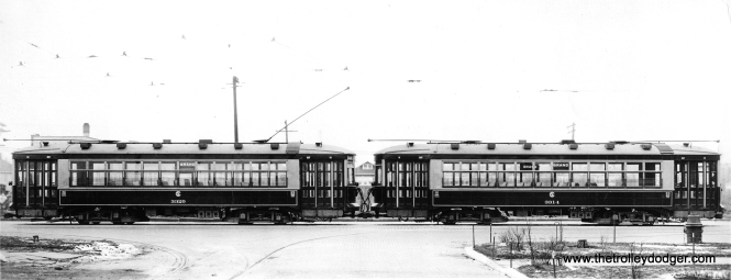 "CSL 3320 and 3314 connected for multiple unit operation, most likely in the 1920s. The need for MU disappeared after the 1929 stock market crash. Andre Kristopans adds, ""while they are signed for Grand, most likely they are at South Shops."""