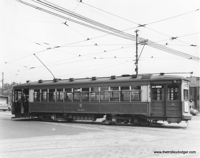 CSL 3137 at Clark and Devon. (William C. Janssen Collection)