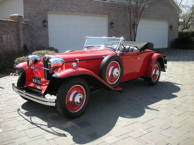 This is a 1929 Ruxton Model A Baker-Raulang Roadster.