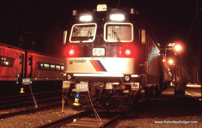 "A NJT ALP-44 electric under ""blue flag"" protection 3/24/00"