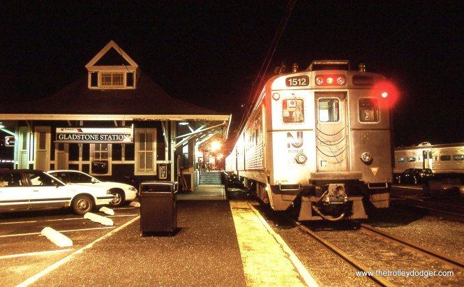 NJT Arrow MU # 1512 at the Gladstone station.