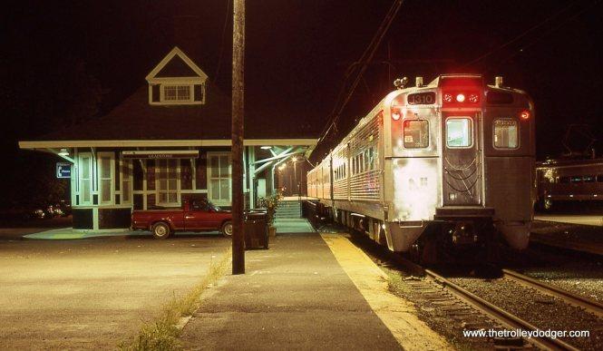 NJT MU 1310 at the Gladstone station.