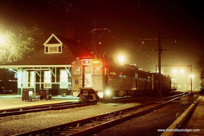 NJT MU # 1309 at the Gladstone station