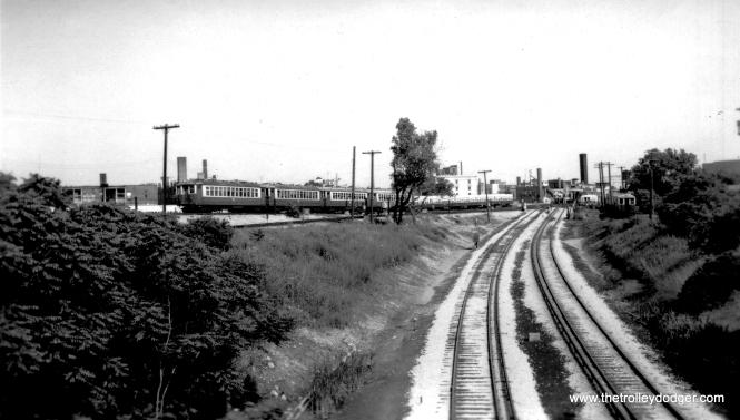 4000s near Howard. (Edward Frank, Jr. Photo, George Trapp Collection)