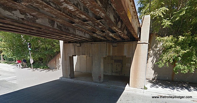 The viaduct at Emerson, which is between the Foster and Davis stations.