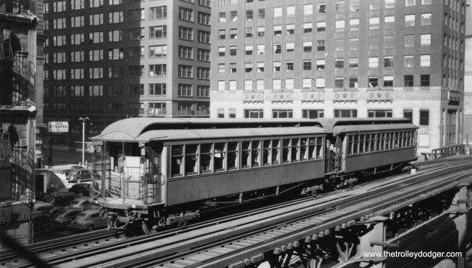 "George Trapp: ""The pair of South Side gate cars are at Lake between State and Wabash on a Wilson Ave. Local, probably originating on the Kenwood Branch."" (Joe L. Diaz Photo, George Trapp Collection)"